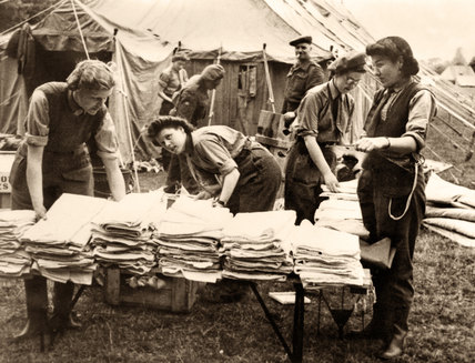 Army nurses sorting laundry WW2